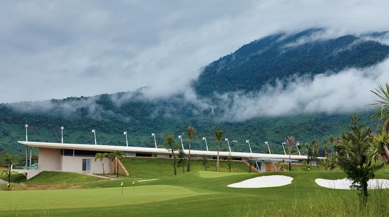 Sân Golf Bà Nà Hills.